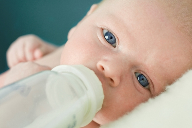 Можно ли совмещать грудное молоко и смесь
