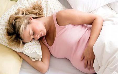 kvinnelige kjønnsorganer stikkende smerte i underlivet