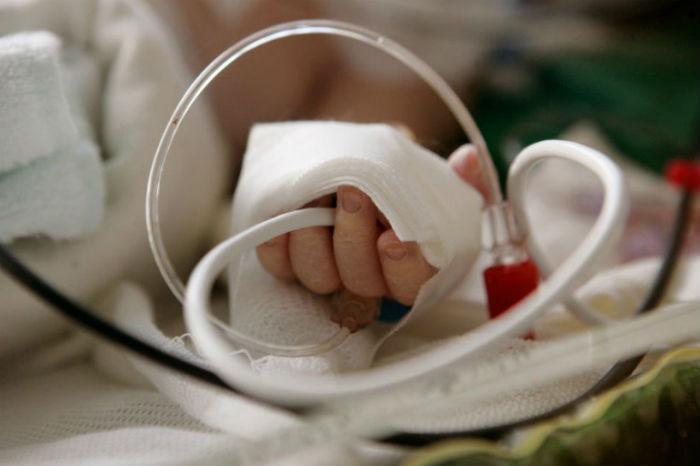 Почему новорожденный желтеет. Почему ребенок желтеет после родов